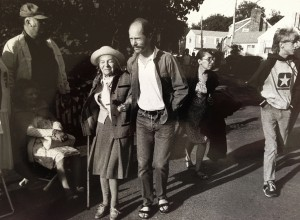 Theresa Bernstein and Wilber James in Rockport, MA, on July 4, 1986
